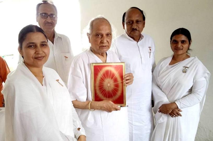 Photo - 1) BK Saroj Bahan with Padma Bibhushan Pt. Jasraj Ji & others (1)